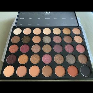 BNIB Morphe 35F Fall into Frost